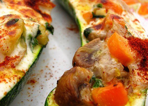 Courgettes com legumes no forno