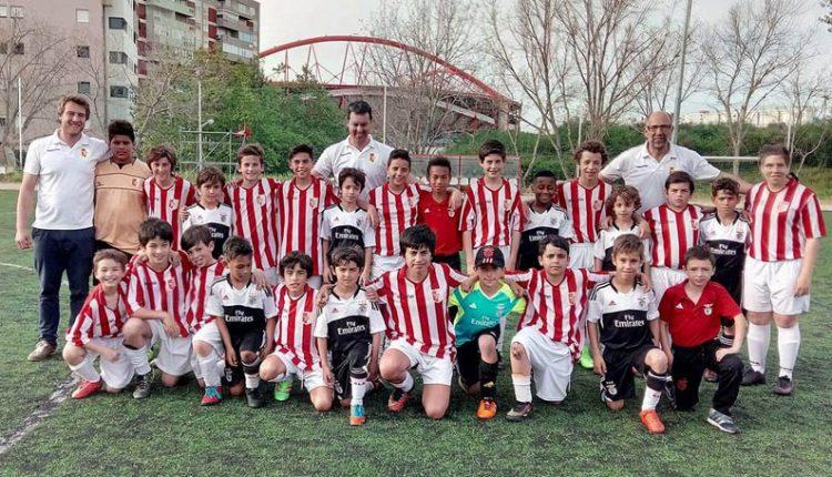 Formação do Estrela em treino no Benfica