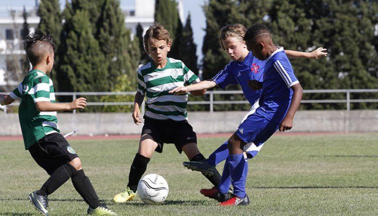 Estádio Municipal recebe torneios de futebol de Benjamins